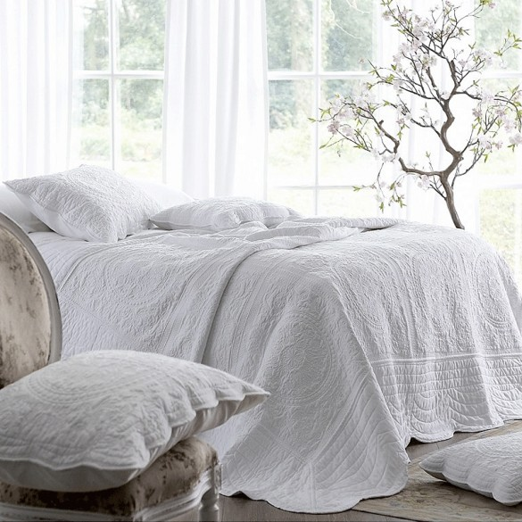 White Bedspread - Best Christmas Bedspreads And Quilts