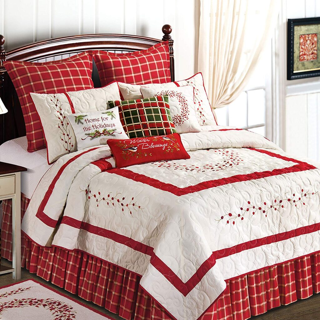 C&F's Holiday Quilt - Best Christmas Bedspreads And Quits